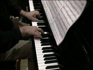 Arnaud au piano b