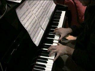 Arnaud au piano